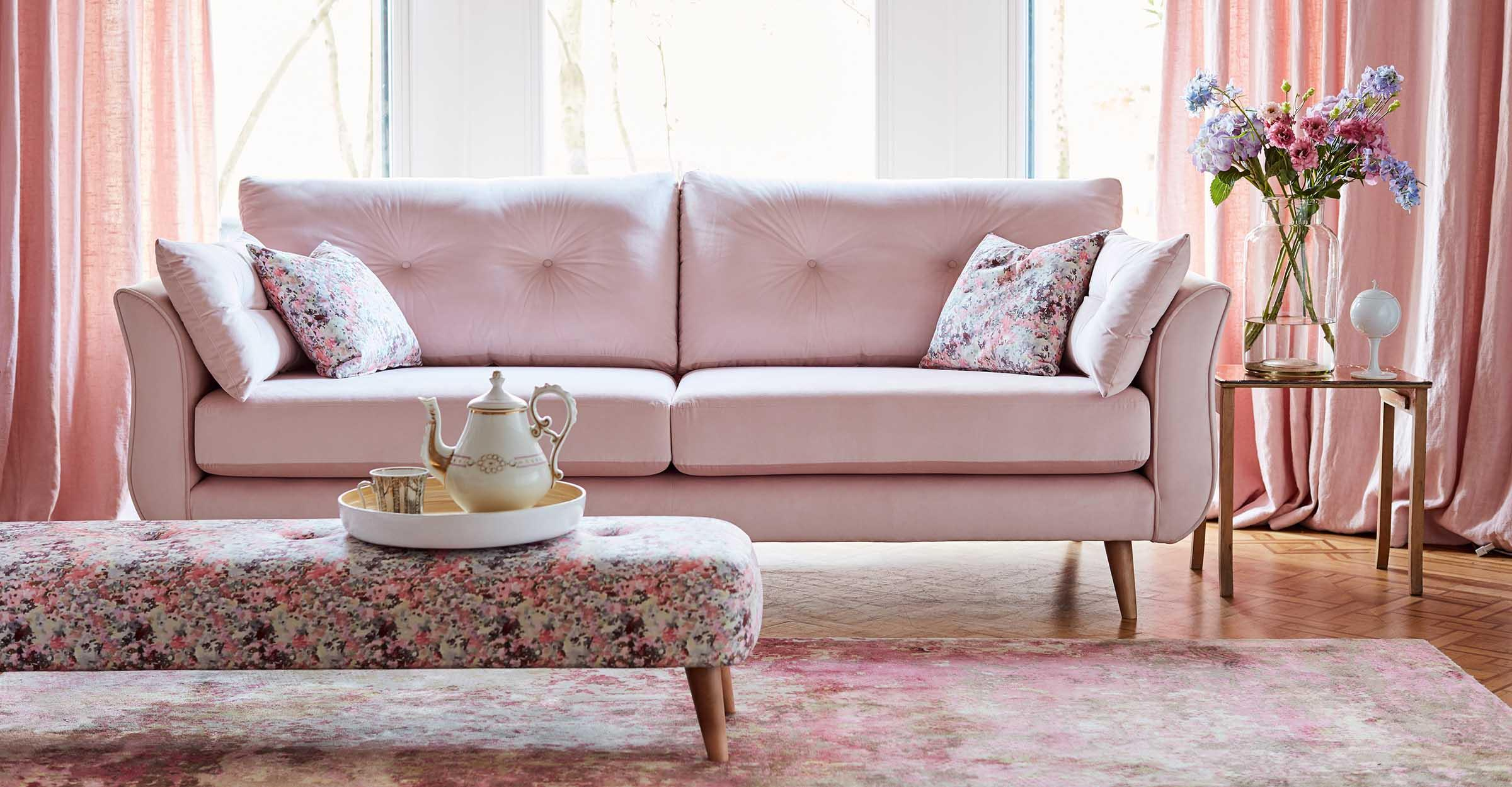 The Howard sofa – an English design classic