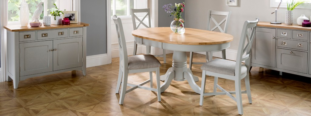Harbour Round Extending Table Set Of 4 Dining Chairs