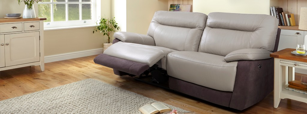 Stupendous Saint 3 Seater Electric Recliner Gmtry Best Dining Table And Chair Ideas Images Gmtryco