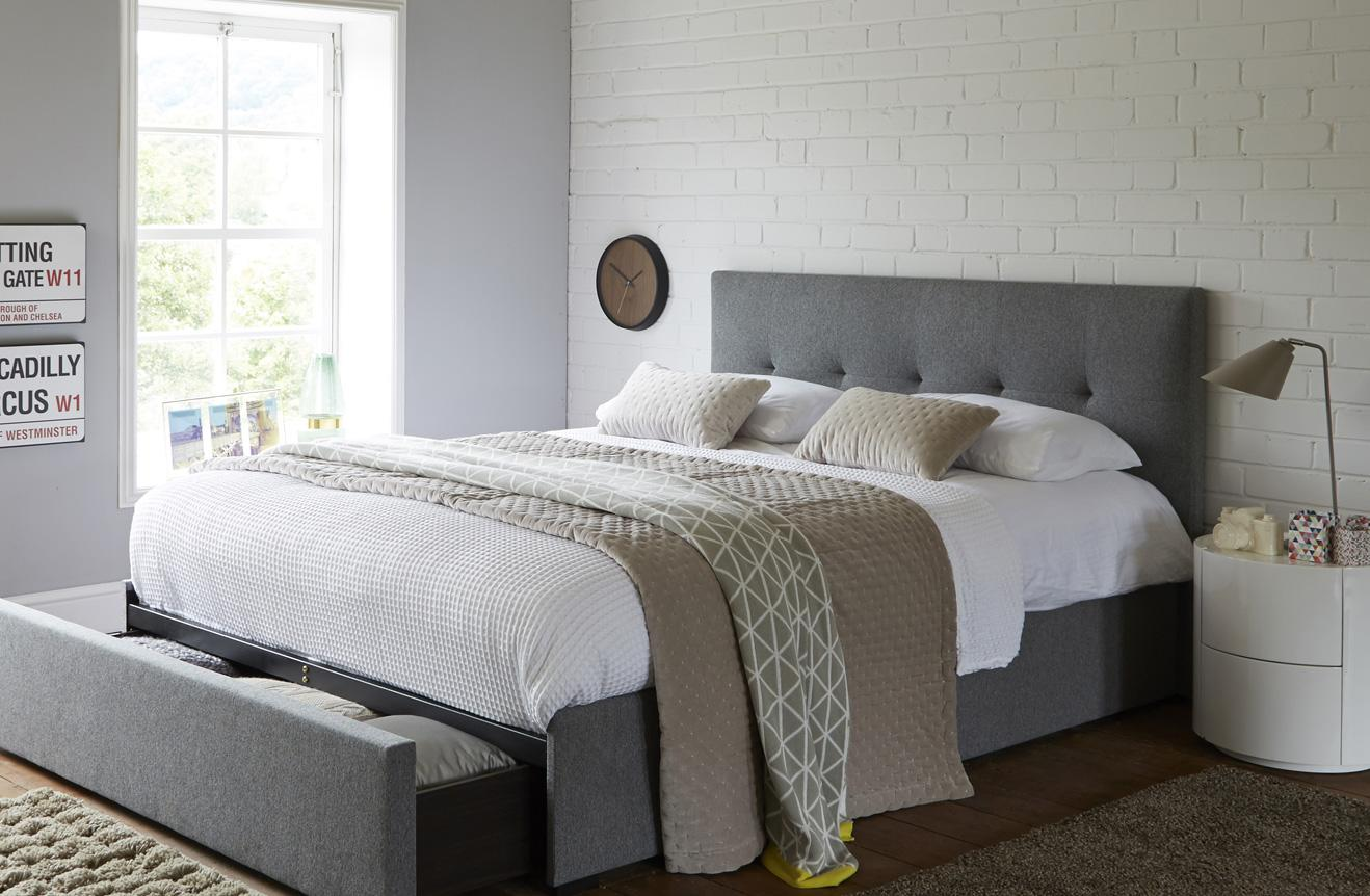 Image of: Decorating Small Spaces Small Bedroom Ideas Dfs Ireland